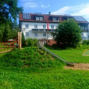 Kniebishaus